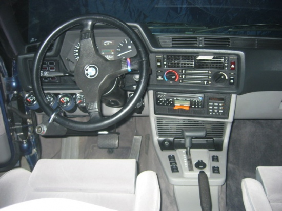 BMW 6 Series 635 CSi E24 Dashboard Interior with HeadUnit Blaupunkt Lausanne RD