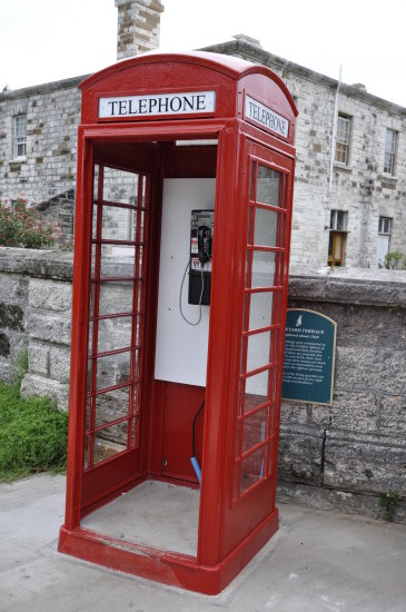 bermuda cruise dockyard telephone booth