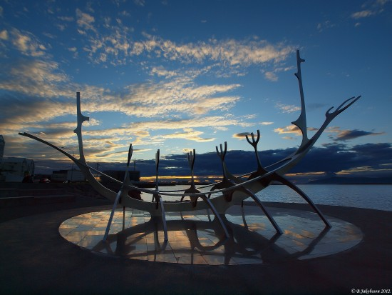 e620 summer sunset sea clouds sculpture sunvoyager reykjavik Iceland