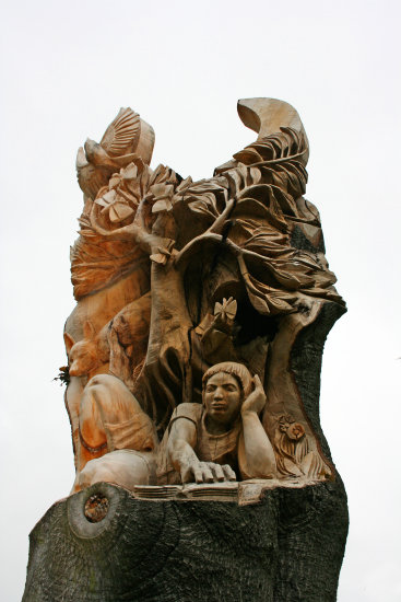 16. We went into Abbey Park to have a look at the wonderful sculpture made in the trunk of a dead...