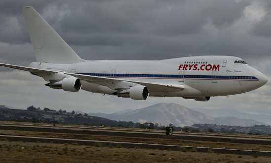 Frys 747 runway low altitude pass Miramar Airshow Pankey aircraft Wildspirit