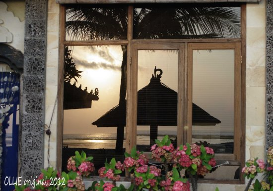 reflectionthursday sunrise window building beach resort bali littleollie