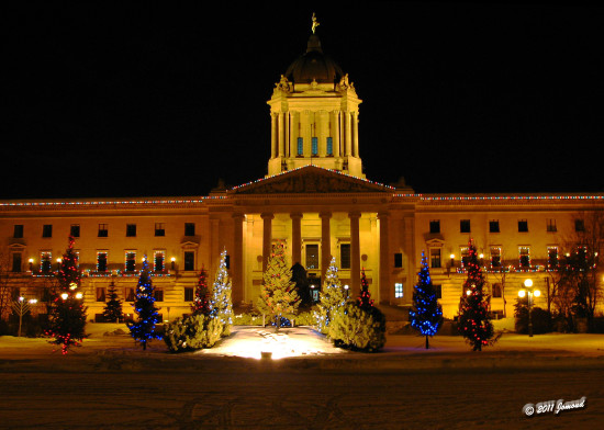 holidaylightsfriday legislature manitoba canada christmas