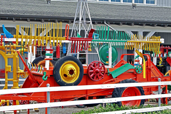 DanaPoint FarmersMarket Displays colorful Toolquipment