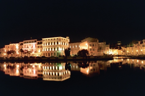 France Martigues by night 12/2005, EOS 600 pose 30 sec 100ASA