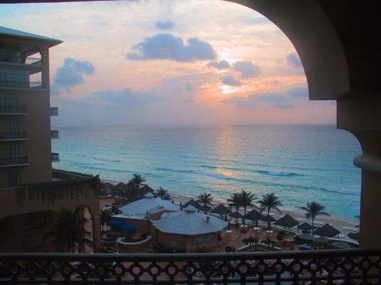 cancun sunrise water beach vacation hotel