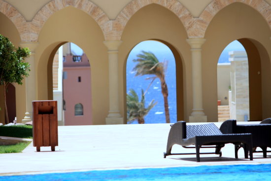 building arches sea palm tree swimming pool