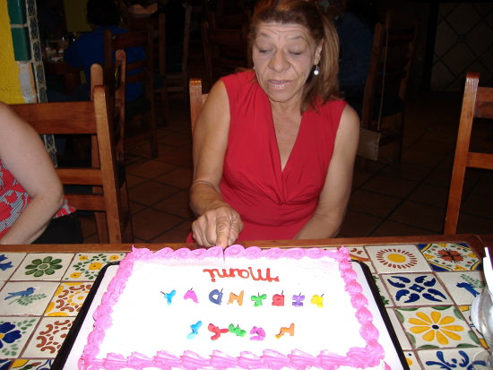 Mommys Birthday in Puerto Rico 6 of 10