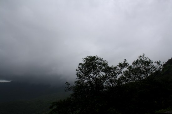 fog monsoon amboli mountains maharashtra india