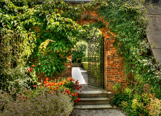 garden gate home lotherton hall autumn colour leaves joansgateclub