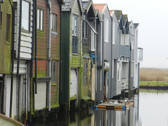 lake boathouses groningen holland