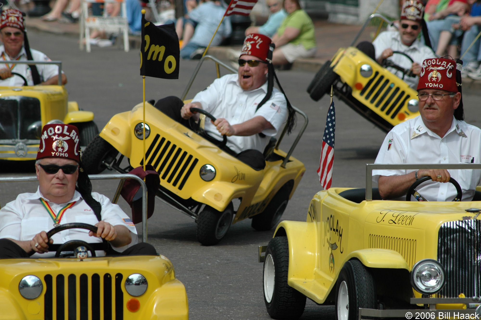 Chronicle Of The Shriners Circus Parade Support A
