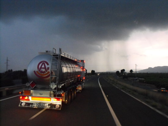 valencia truck storm weather lorry