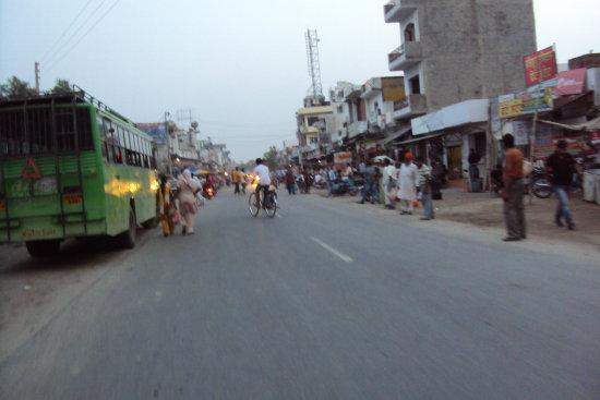 mehatpur main road