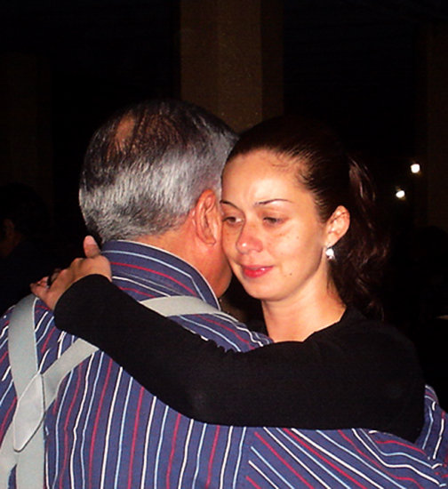 milonga milongueros tango close embrace