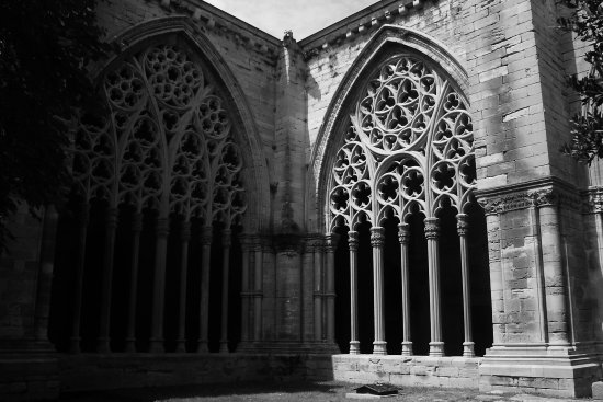 seu vella lleida old cathedral cloister garden arch white and black