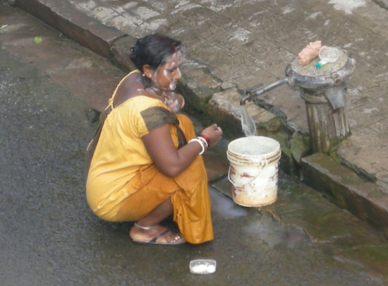 As I promised to junne (Gunter) that I shall upload a few street bathing which locals do just in ...
