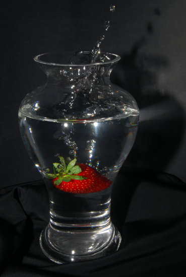 strawberry vase water drops