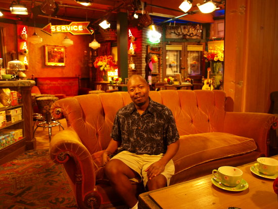 WB Studios Burbank CA - E on the Central Perk couch