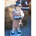 2005 tan stlouis missouri us usa travel boy statue concrete black white