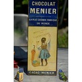 prsentoir chocolatshelf of chocolate Menier after 1900