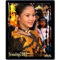 A beautiful costume of an equally beautiful performer.....