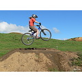 girl jump mtb mountainbike bike dirtjumps extreme specialized