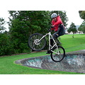 jump skakebowls man boy bike mountainbike mtb extreme