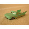 pixar cars arabalar flo v8cafe toy