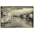 venice black and white