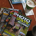 On a cold cold cold windy sunday afternoon what could be betr than a hot latte and some photo mags.