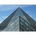 paris louvre pyramide france