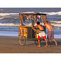 beach craftsmen sea sun sand people Arrojo kuba