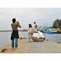 Turists Foto Man HE Sculpture Helsingor August 2012 Denmark