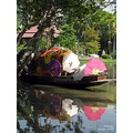 park boat reflectionthursday reflection vendor poulets bangkok 2009