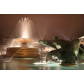 london fountain night trafalgar square light water statue sculpture art