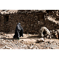 Califfoto canon rebel 300D digital meymand iran troglodytes woman spirit
