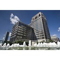 cabot square london docklands fountain canary wharf